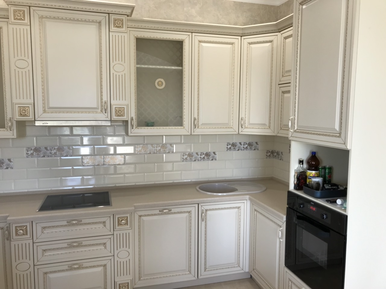 Белый кухонный гарнитур-Кухня МДФ в ПВХ «Модель 535»-фото3